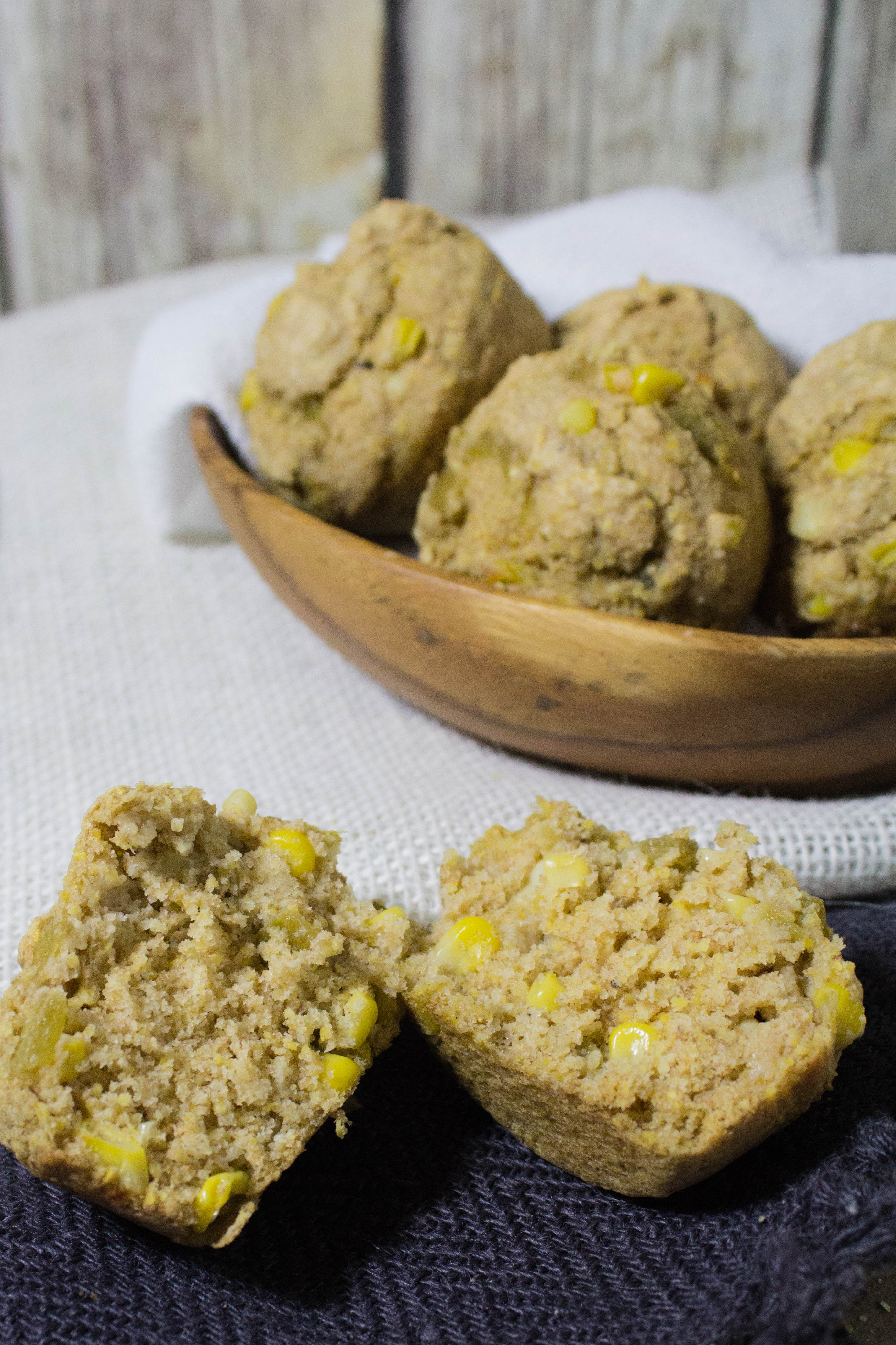 Green Chile Cornbread Muffins - Eat. Lift. Play. Repeat.