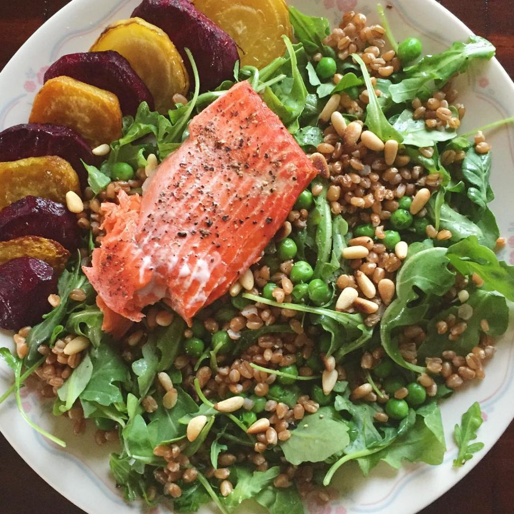Another salmon dinner on point! Arugula topped with wheat berrieshellip